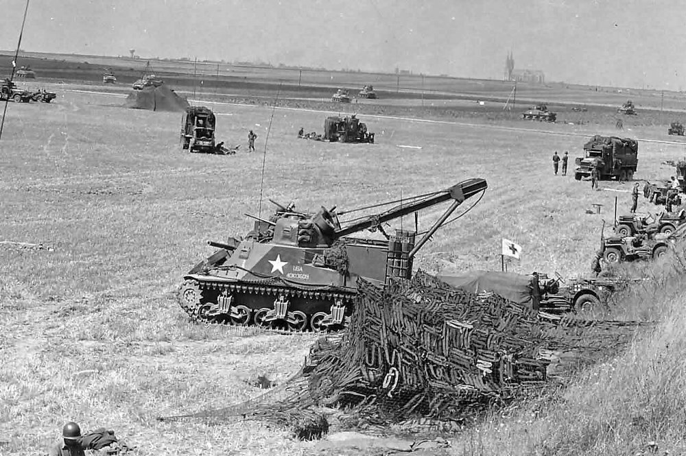 M31 (T2) Tank Recovery Vehicle from the 7th Armored Division. Chartres France 1944.
