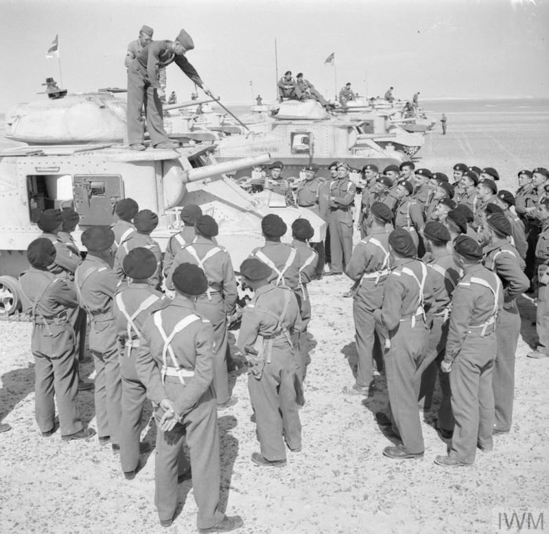 An American sergeant instructor lecturing troops about the Grant tank, 17 Feb 1942. IWM photo E 8493