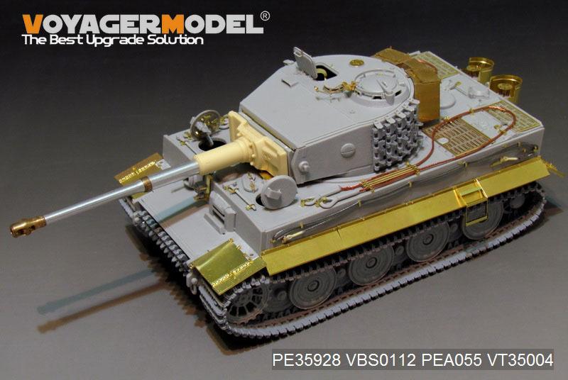 PE35928_08.jpg