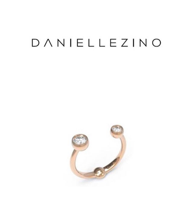 One of #daniellezinojewelry most requested rings 🔥🔥 From my signature molecule collection & the perfect holiday gift 🎁 . . . . . . . #jewellery #jewelrydesigner #fashion #jewelrydesign #follow #jewelry #jewelryaddict #beautiful #happy #gold #diamond #amazing #style #yellowgold #smile #luxury #classy #ring #fashionblogger #ootd #shine