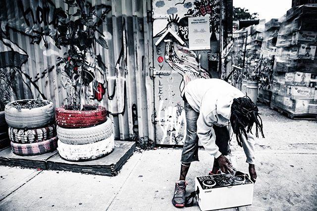 Content coming. @parnhashnakovsky. #realtalk . . . . . . . . . . #bushwick #brooklyn #newyorkcity #radioraheem #hiphop #rap #poetry #poet #freestyle #hiphopculture #undergroundhiphop #streetperformance #streetcypher #cypher #streetart #brooklynstreetart #streetnoise #emcee #indierap #indieartist #brooklynart #nyc #poesie #poesia #rappeur #хипхоп #стритарт #граффити #рэпчик