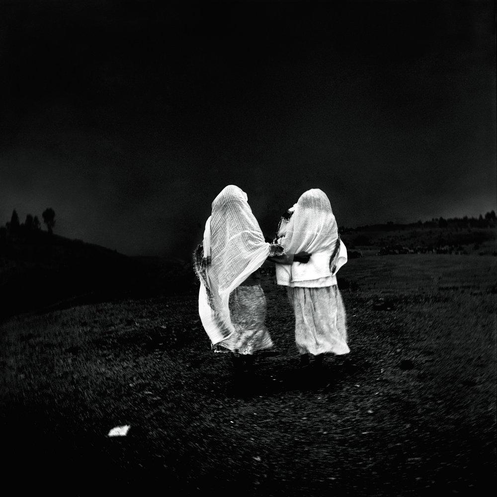sisters-eritrea-2002-photo-morten-krogvold_small.jpg