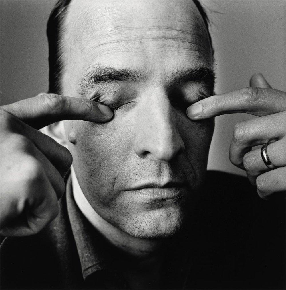 Ingmar Bergman i Stockholm i 1964. Foto: Irving Penn