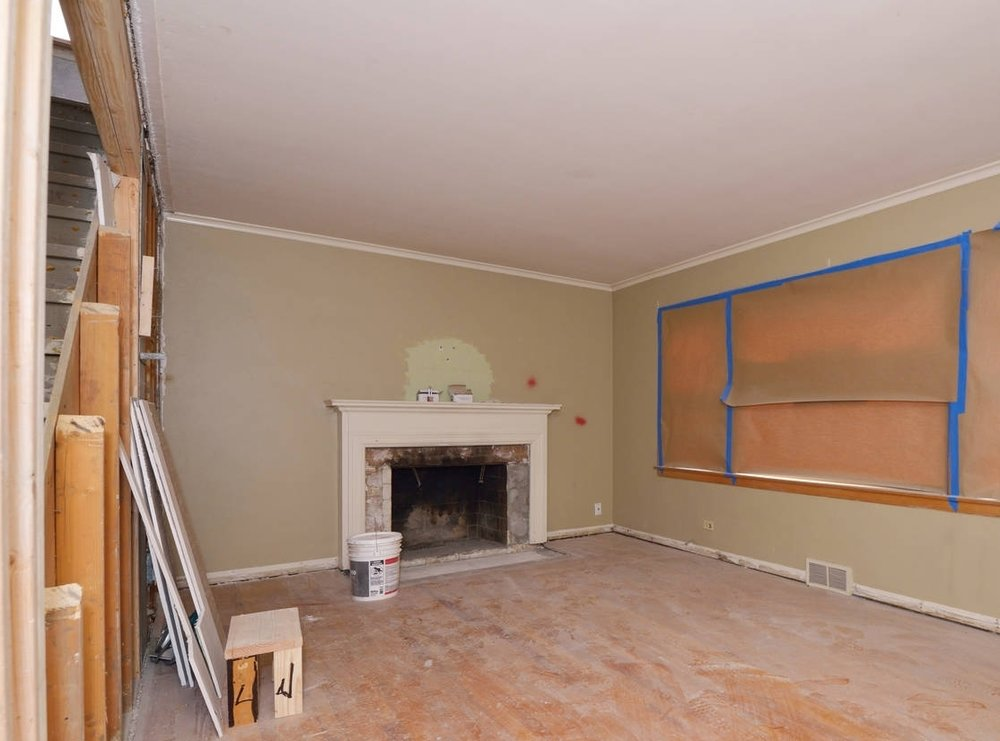 Before Photo - Rental Turn in a Park Ridge, IL home