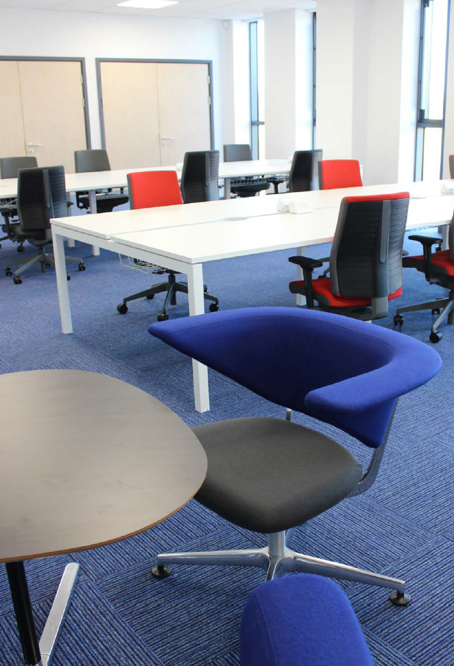 wiltshire-dorset-office-desks-and-chairs.jpg