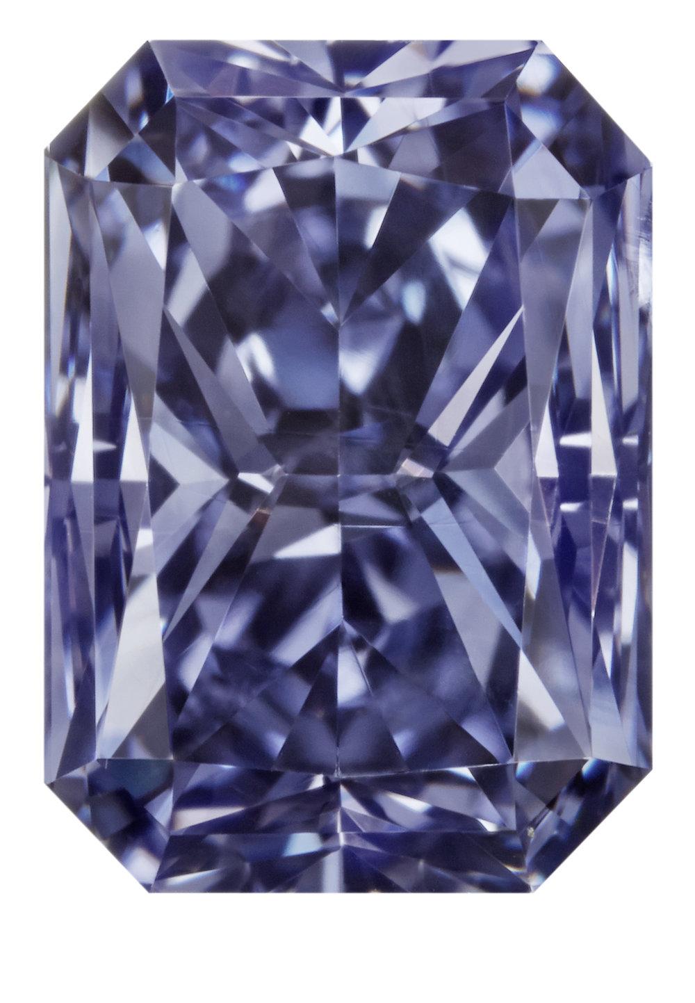 Argyle Liberté™, a 0.91 carat radiant shaped Fancy Deep Gray-Violet diamond. PHOTO: Copyright © 2017 Argyle Diamonds Limited