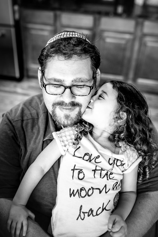 father daughter love during a St. Louis lifestyle photography session.jpg