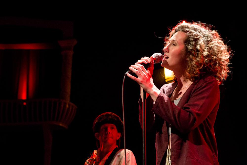 Sharlet Crooks singing live
