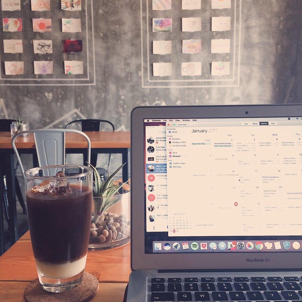cafes-in-quezon-city-work41.jpg