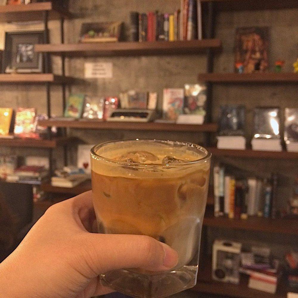 cafes-in-quezon-city-work61.jpg