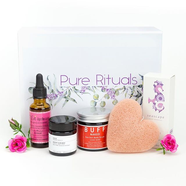 Pure Rituals Wellness Box, Natural, clean, green beauty products. Head to www.purerituals.co.uk to find out more.  #rituals #holistichealth #naturalbeauty #organicskincare #plantlove #wellnessbox #blissful #ukbusinesses #artisans #cleanbeauty #naturalskincareproducts