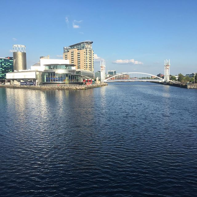 Dreamy views of the water this Saturday evening ♥️ . #mediacityuk #onthewater  #blueskies  #britishsummer  #quayside  #powerwalk  #manchester  #beauty  #nofilters  #downtime  #weekend