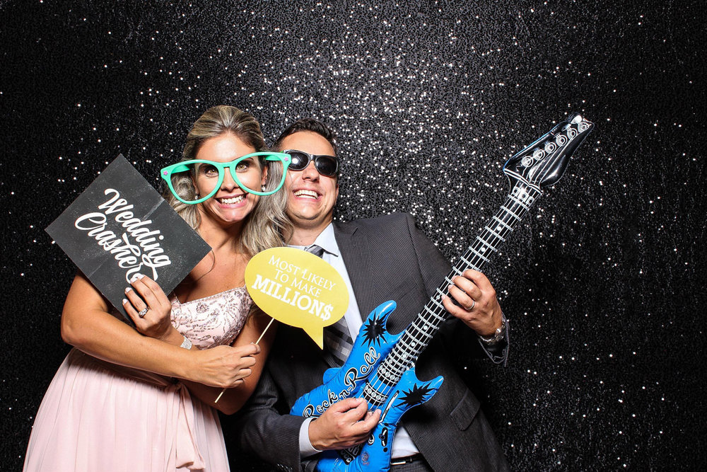Photobooth Couple from Long Island