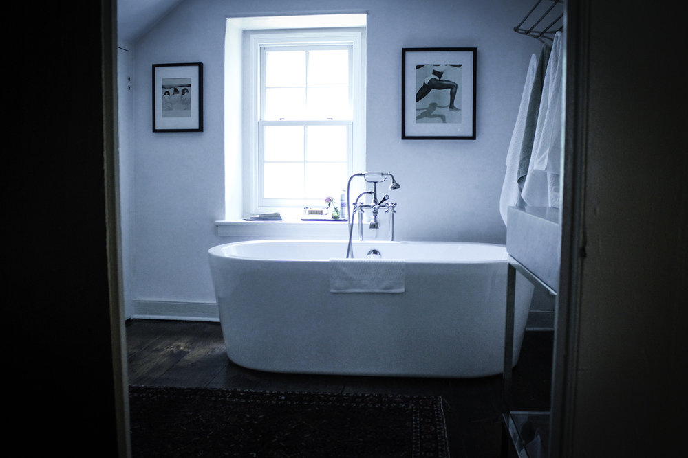 NEWHOPE_COTTAGE_BATHROOM1.jpg