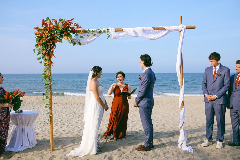 Danang-Vietnam-Wedding-Photographer_18.jpg