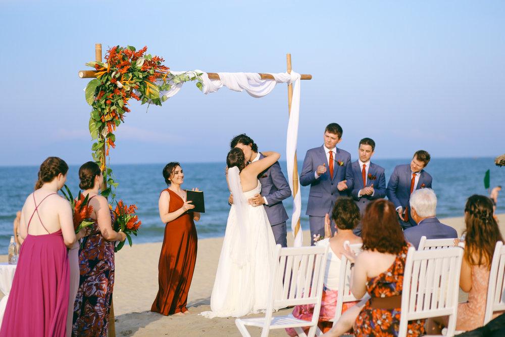Danang-Vietnam-Wedding-Photographer_22.jpg