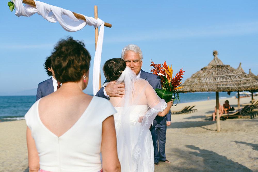 Danang-Vietnam-Wedding-Photographer_58.jpg