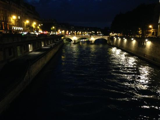 8 the-seine-at-night-pont.jpg