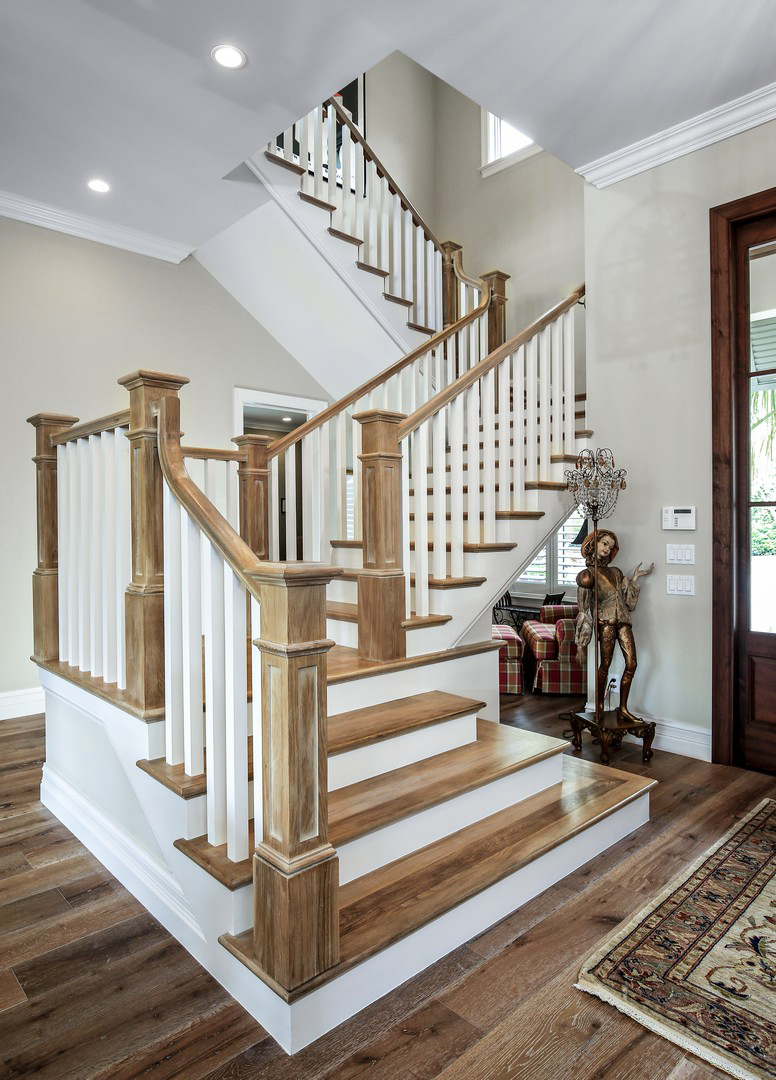 Oak Pointe_Wood Box Newel.jpg