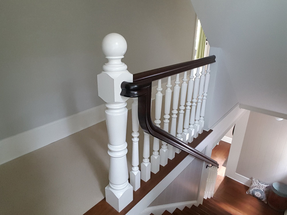 Oak Pointe_Wood Newels_White Primed.jpg
