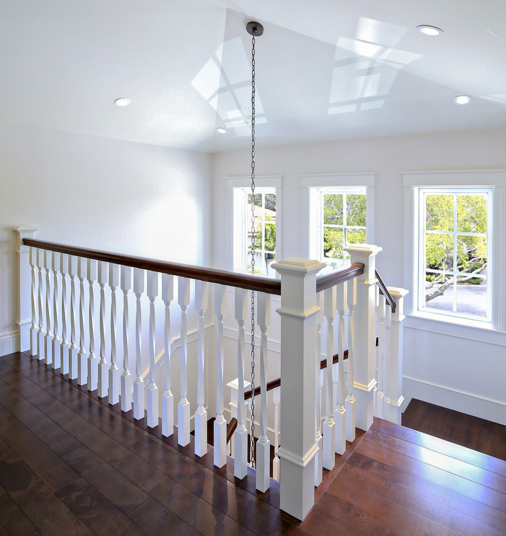 Oak Pointe_Wood Baluster (4).jpg