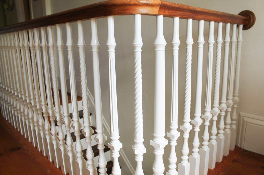 Oak Pointe_Wood Baluster (2).jpg