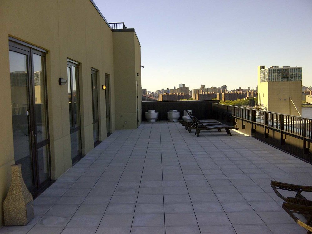 Williamsburg-Lofts---Rooftop-Deck-1.jpg