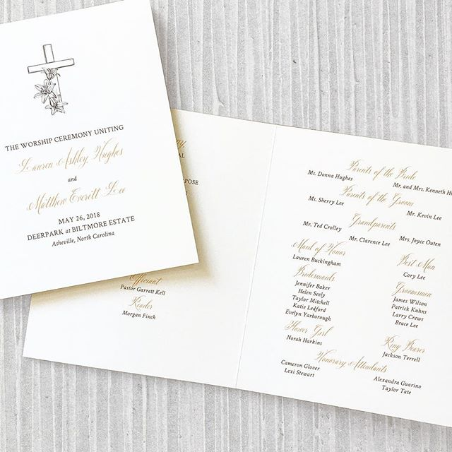 Here's a detail of the wedding program we designed for Lauren and Matthew's wedding! Its simple and classic elegance matched the lovely space at #deerparkbiltmore. 📋 @shaybrownevents  @biltmoreweddingsnc . . . . . #biltmorewedding #biltmoreestate #sbevents #shaybrownevents #wncweddings #ncwedding #ashevillewedding #ashevilleweddingvendors #blueridgewedding #southernwedding #southernbride #mountainwedding #destinationwedding #elegantwedding #customstationery #weddingprogram #weddingceremony #weddingdayof #weddingplanning #weddingdesigner #custominvitation #weddinginvites #weddinginvitations #customprograms #biltmoreweddingsnc