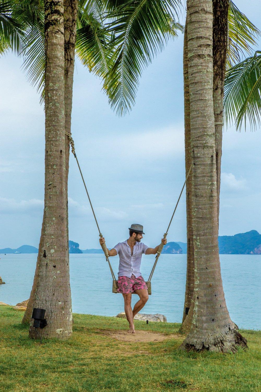 O Ritz-Carlton Reserve Phulay Bay é um dos mais exclusivos hotéis da rede. Localizado em Krabi, é o lugar ideal para quem procura um refúgio com muito conforto e sofisticação.