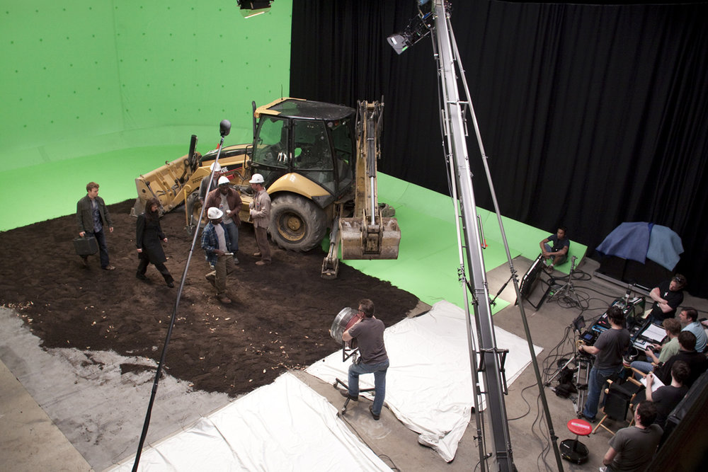 Martin Wood directs a green screen scene on  Sanctuary . Photo by Jeff Weddell