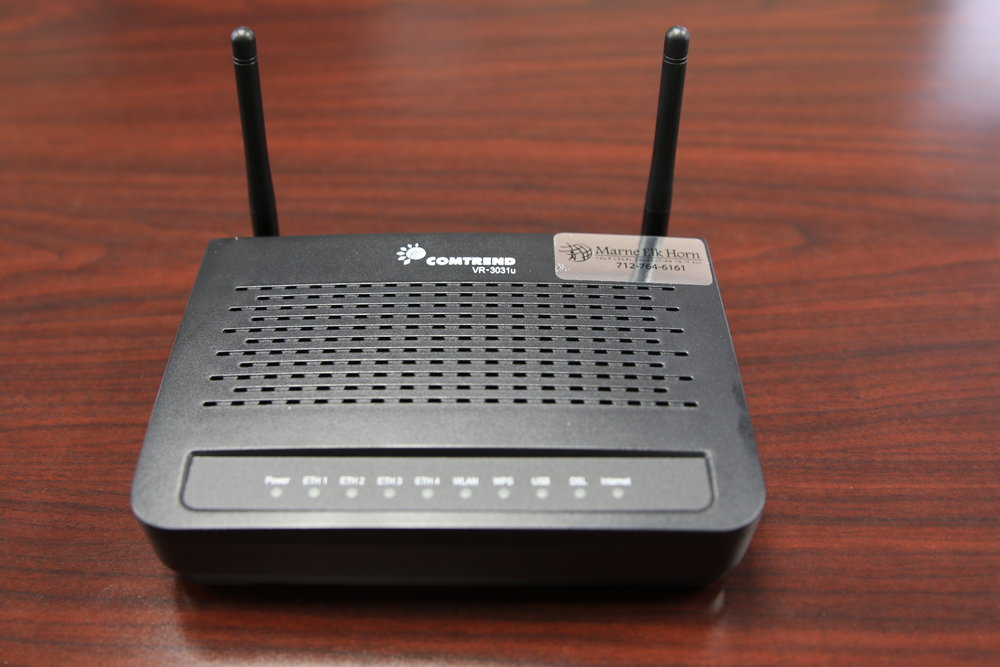 DSL Router (Exira) - front