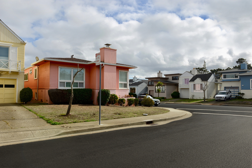 L. Seaton Home Pink DSC_6778.jpg