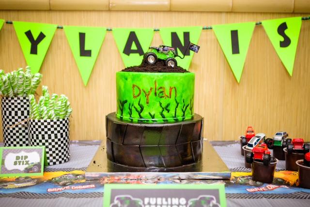 jkp-dylan5bday-cake002.jpg