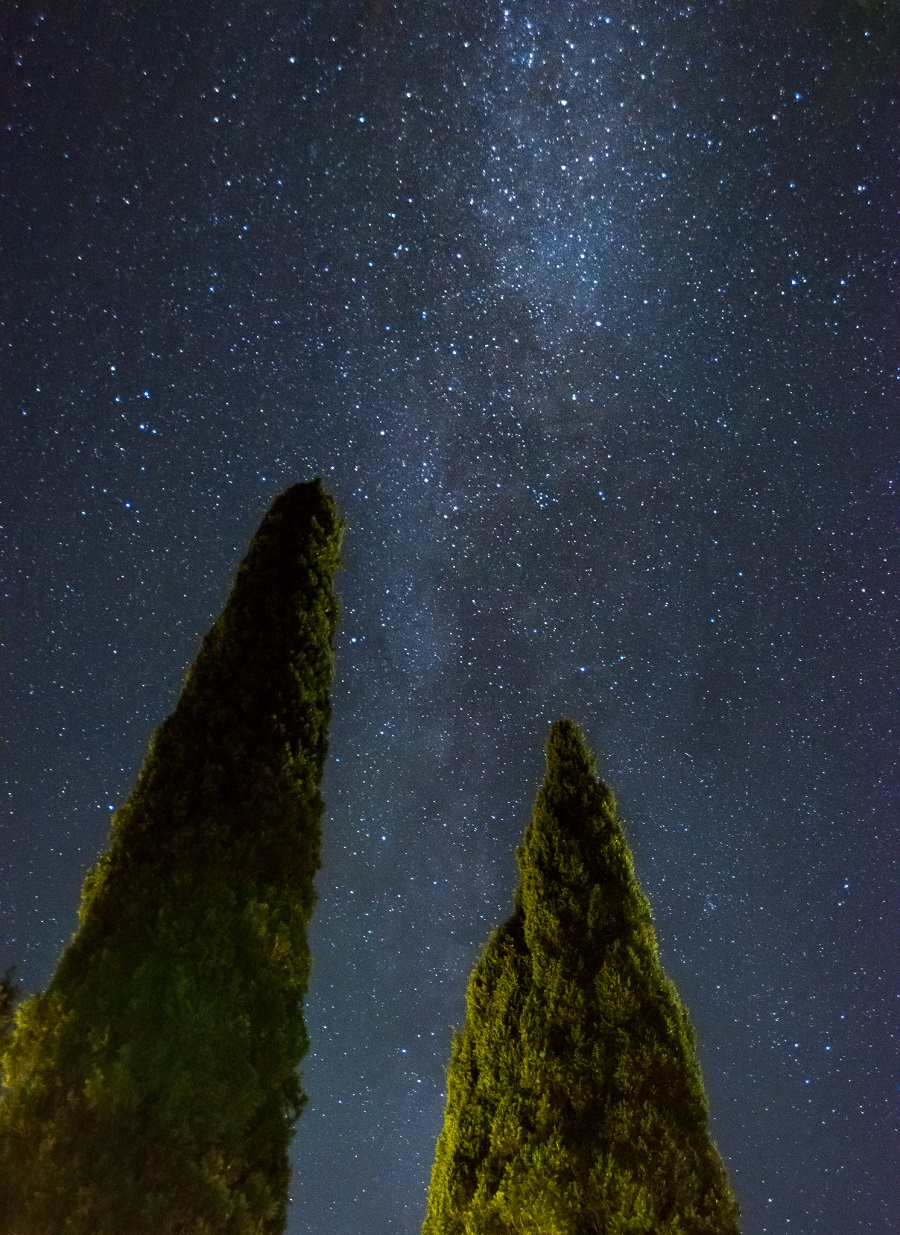 This was shot at ISO-4000 on a Nikon D800 to ensure enough light was collected but without introducing star trailing.