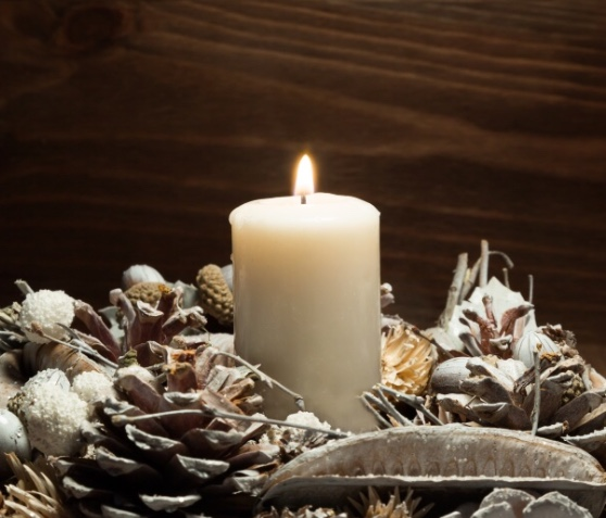 DIY pinecones white candles easy & budget friendly.jpg