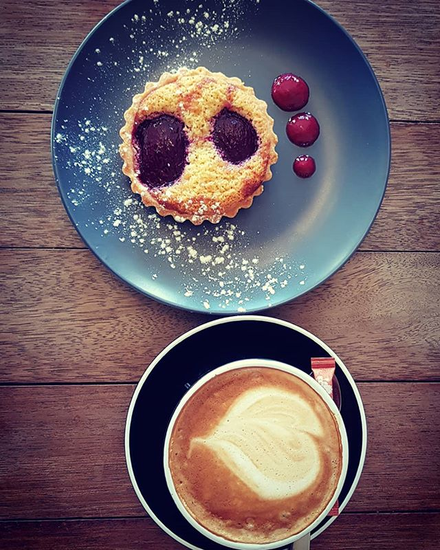 Now open 7 days for brunch and lunch. Come down for coffee, lunch or sweet treat. #kauricottage #Comfortfood #summerhours