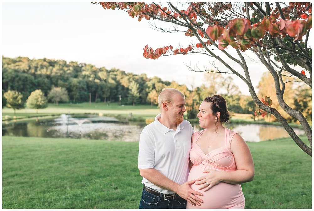 maternity session with pond ephrata pa