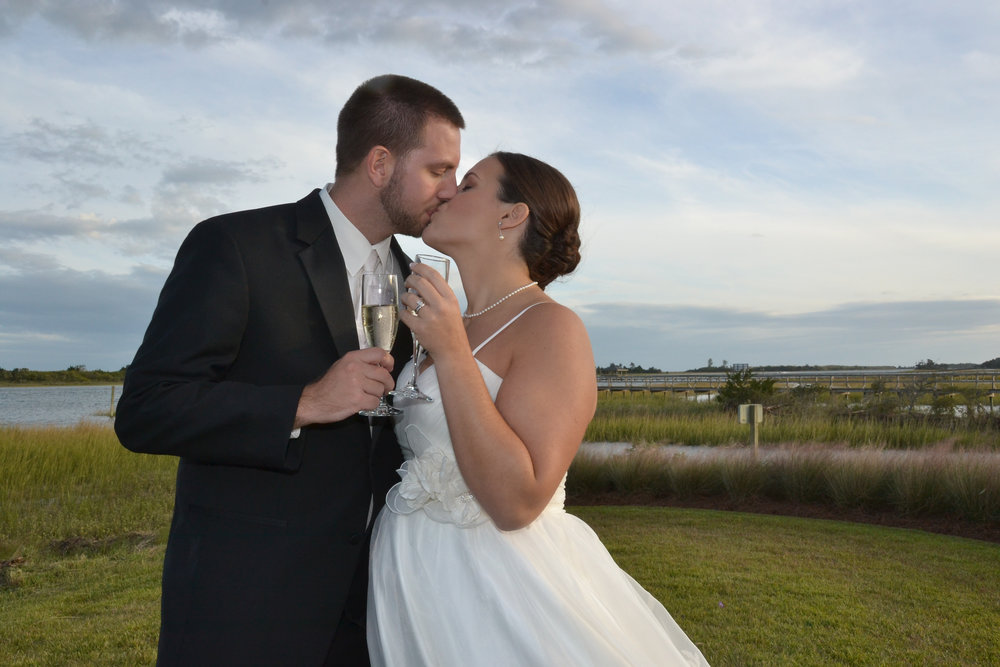A toast and a kiss on the Intracoastal Waterway.