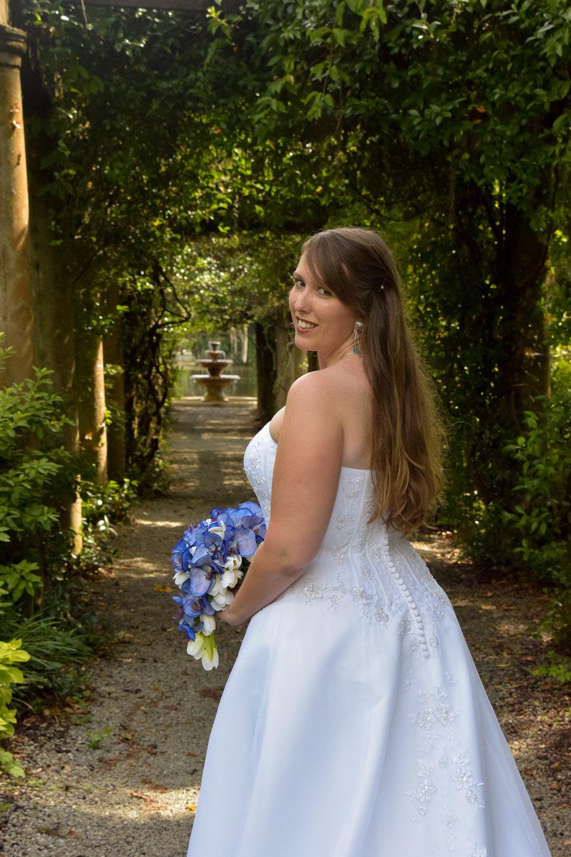 Bridal Portrait, Airlie Gardens, Wilmington, NC.
