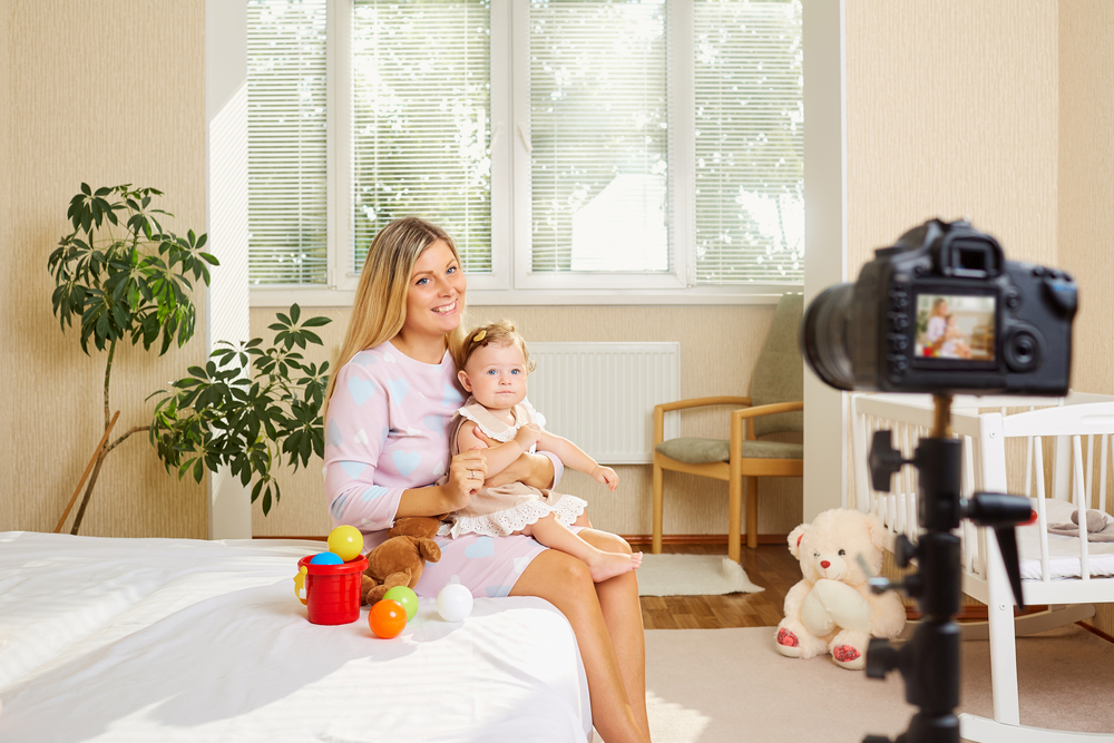 baby-blogger-mum-taking-video-for-business-of-baby.jpg