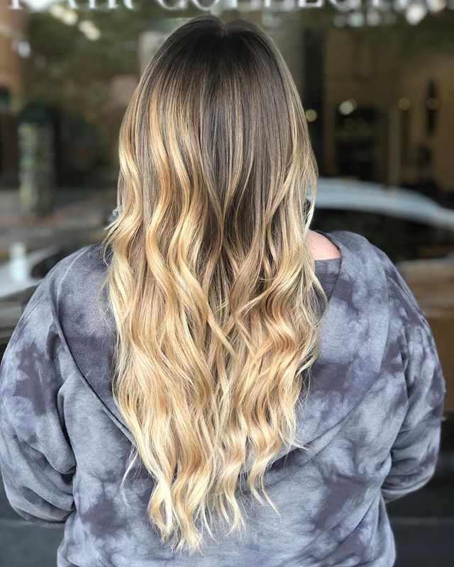 The backa that head tho girrrrrl 💁🏼‍♀️💁🏼‍♀️full balayage to blonde this babe up ✨ . . . . . . #hernameismel #meldoeshair #hair #hairstylist #balayage #balayageblonde #balayagehighlights #balayageartist #longhair #beachwaves #chico #chicostate #chicohairstylist #chicocalifornia #modernsalon #mastersofbalayage #two22salon #hairinspo #hairideas #pinteresthair