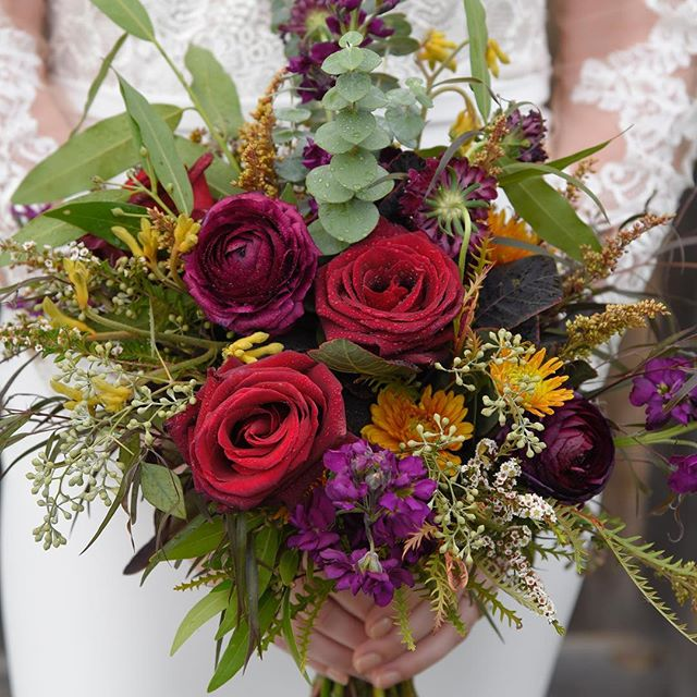 ✨sneak peak ✨ for @premierbridemilwaukee 💐 by @bankofflowers! 📷 by us  #bouquet #flowers #wedding #photography #mke #RamhornFarm #milwaukee #editorial #talent #florist #magazine