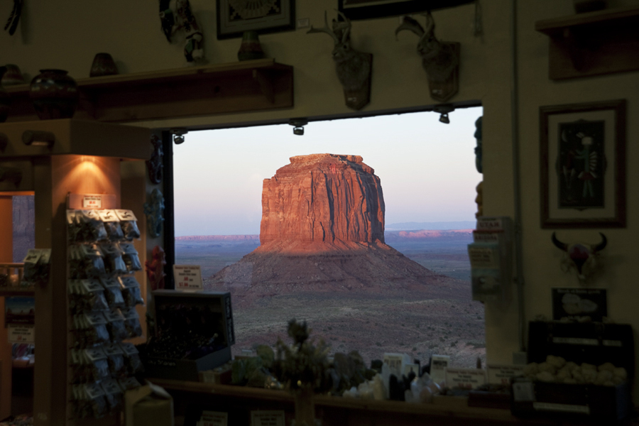 Monument Valley gift shop_1788.jpg