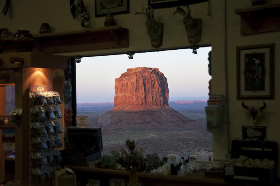 Monument Valley gift shop_1788.jpg