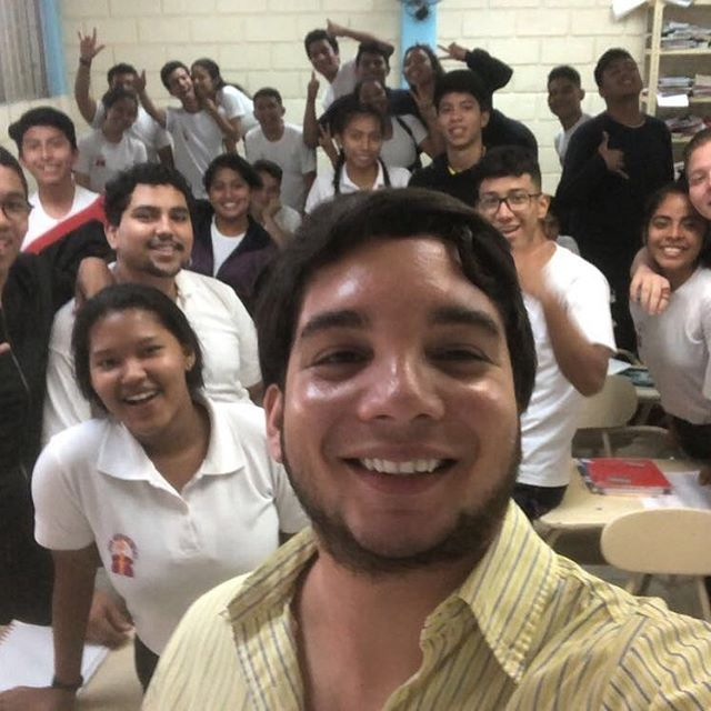 Check out this HIP Educator teaching the lessons in Ecuador! Now that looks like a great group of everyday heroes in the making! #herotraining