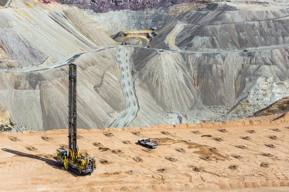 Asarco Pit Mine. Green Valley, AZ. Study #2 (31,58.4538N 111,4.1044W)