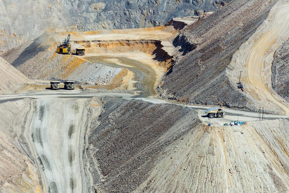 Asarco Pit Mine. Green Valley, AZ. Study #7 (31,58.4527N 111,4.1053W)
