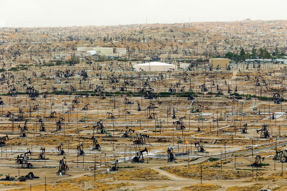 Oilton Oilfield. Bakersfield, CA. Study #1 (35,24.6360N 118,58.6367W)