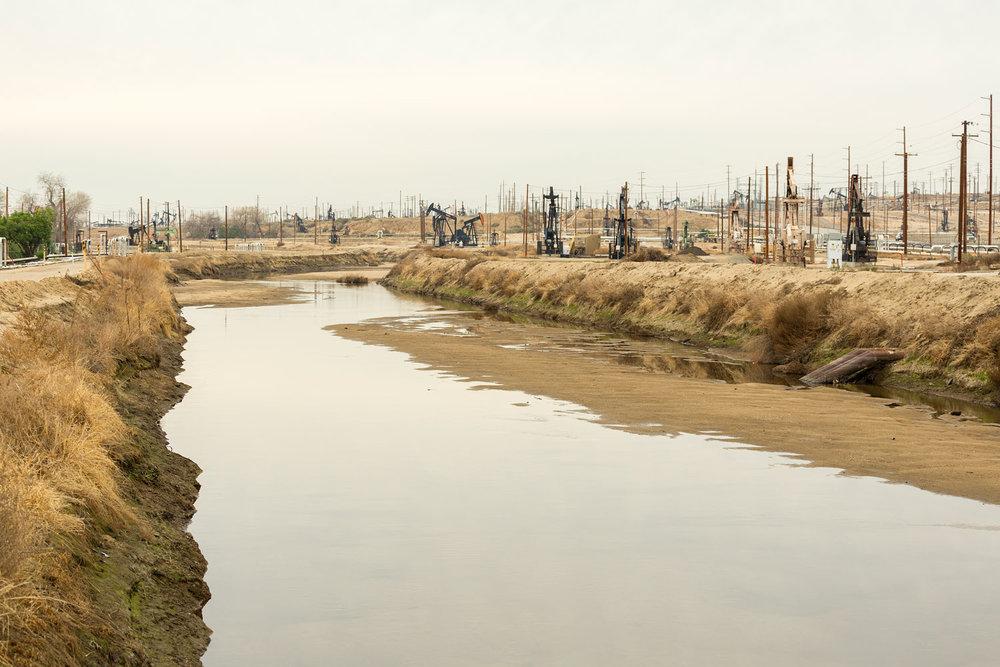 Oildale Oilfield. Bakersfield, CA. Study #8 (35,25.6329N 118,58.0683W)