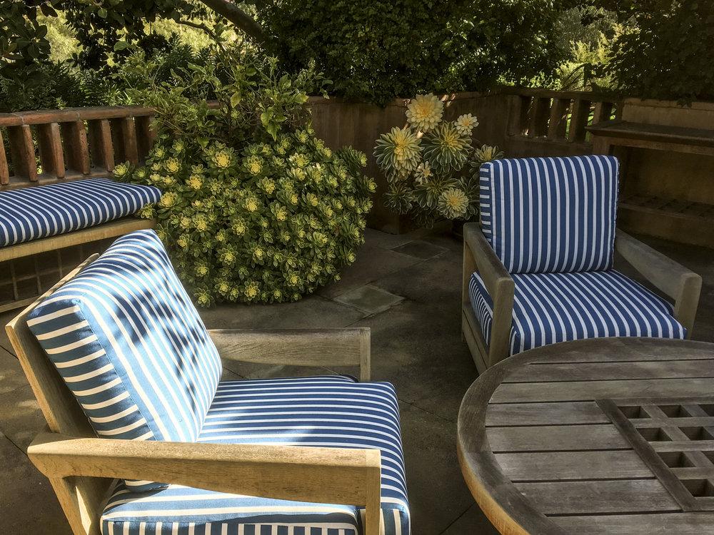 california_garden_roberto_flores_buck_10.jpg